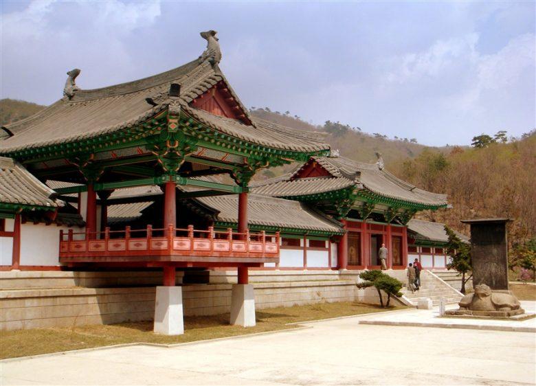 Храм Бохен в Северной Корее