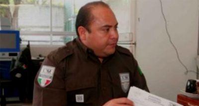 мексиканский чиновник миграционной службы