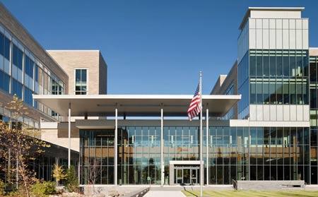 Здание колледжа в США