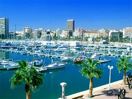 яхт-клуб в Испании