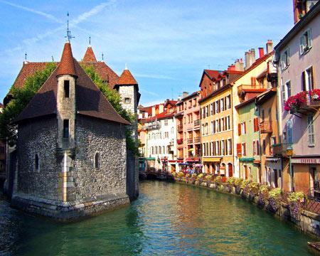 судоходный канал во Франции