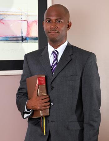 адвокат, Сент-Китс и Невис