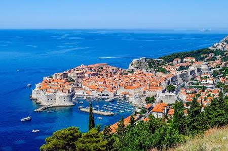 прибрежный город в Черногории