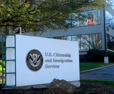 служба иммиграции в США