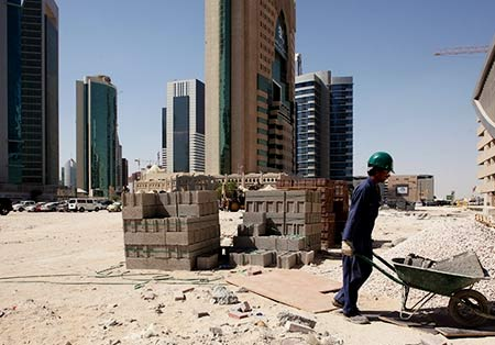 рабочие в Катаре