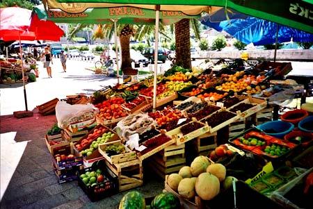 рынок в Которе