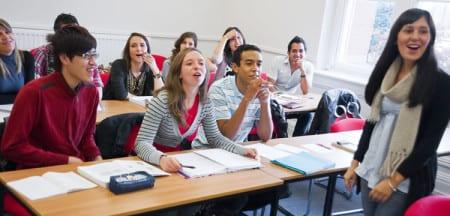 Занятия на подготовительных курсах для иностранных студентов