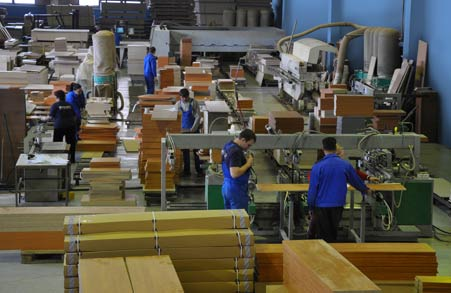 фабрика по сборке мебели в Польше