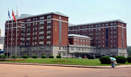 университет в Китае