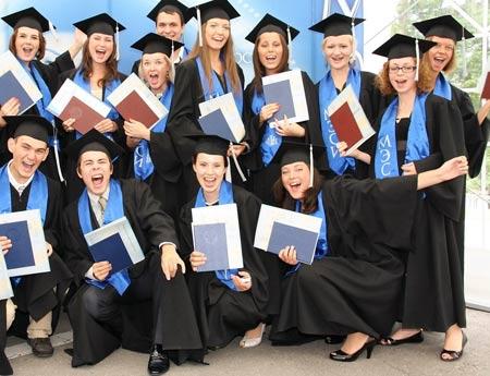выпускники в США