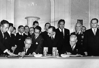 Подписание советско-японской декларации. Москва, 19 октября 1956 г.