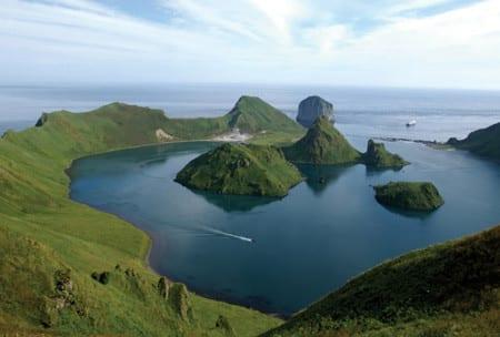 Вид на Курильские острова
