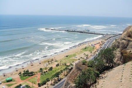 Вид на пляж в Перу
