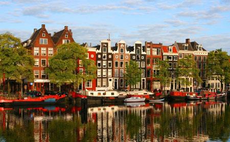 Амстердам, Бенилюкс