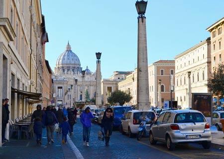улица примирения в Ватикане