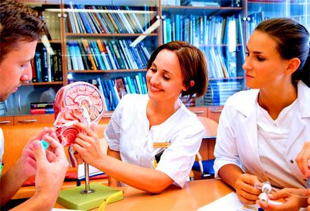 студенты медики в Германии