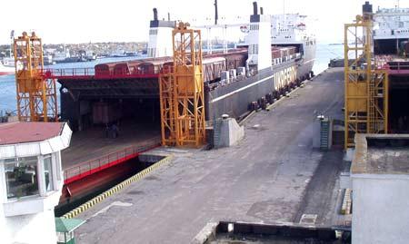грузовой порт в Поти