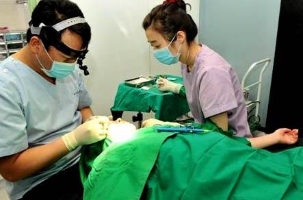 Корея, пластический хирург