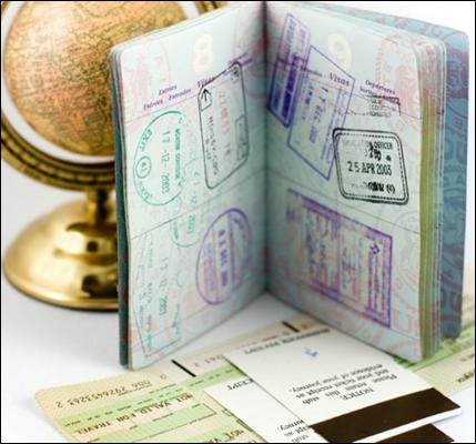 Загранпаспорт со штампами виз