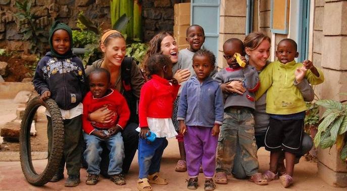 волонтеры в Африке