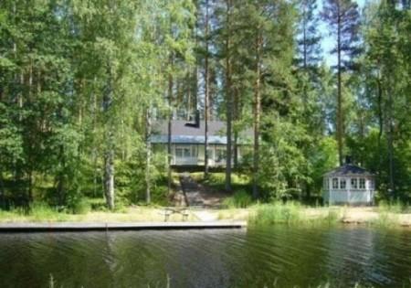 Дом на берегу озера Лаппеэнранта