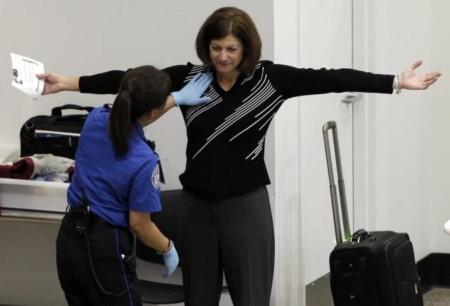 Личный досмотр в аэропорту