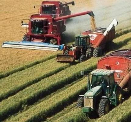 Комбайны за сбором урожая