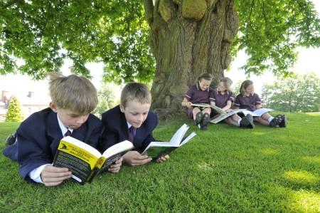 Школьники в Англии