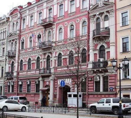 Чем отличается посольство от консульства: разница между этими учреждениями