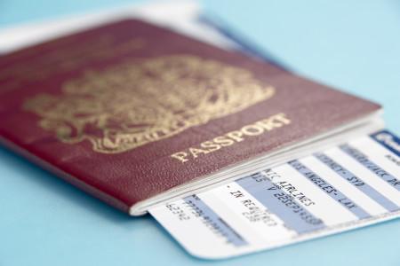 Паспорт и авиабилет