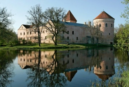 Замок Лоде в Эстонии