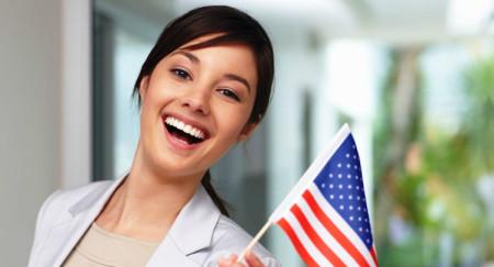 Девушка и флаг США