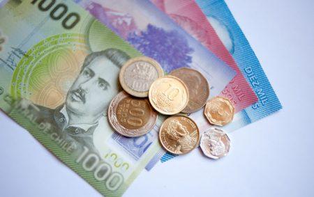 валюта Чили