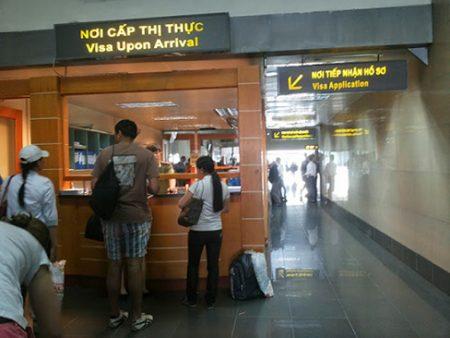 для получения визу нужно обратиться в это окно Visas upon arrival