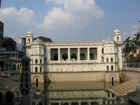 мечеть Hussaini Dalan