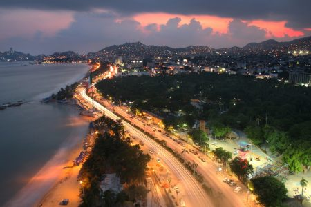 Вечер на побережье Акапулько, Мексика