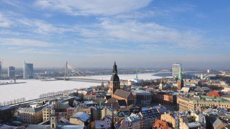 Латвия - небольшая страна на восточном побережье Балтийского моря