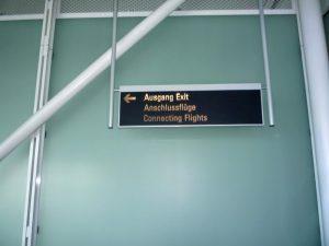 Указатели в аэропорту