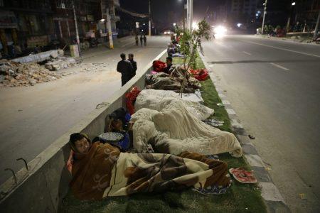 в Непале люди спят на улицах