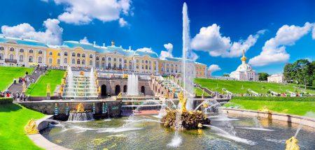 Петергоф,загородная императорская резиденция в окрестностях Санкт-Петербурга залива.