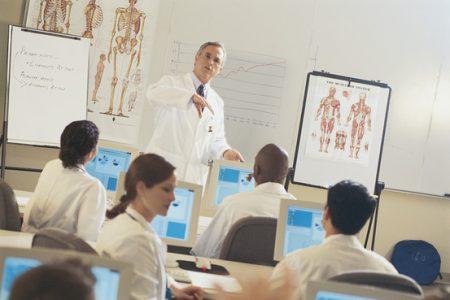 обучения на медсестер и врачей в США