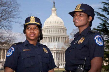 Женщины-полицейские в США