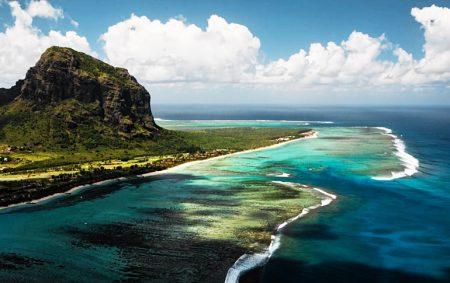 Маврикий-островное государство в Восточной Африке,расположено в юго-западной части Индийского океана
