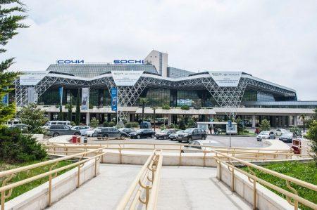 Аэропорт Сочи, г. Адлер является самым опасным в России