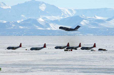 аэропорт Айс Ранвей в Антарктиде