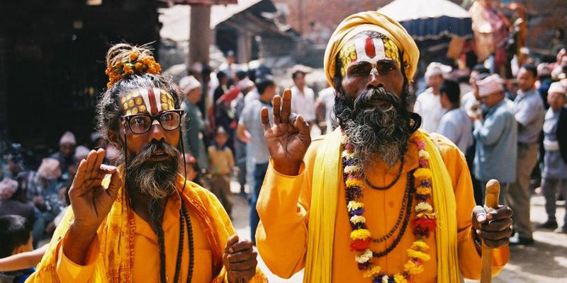 В Индии 80 % населения исповедуют индуизм.