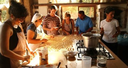Кулинарный мастер-класс на одной из массерий в Апулии, Италия
