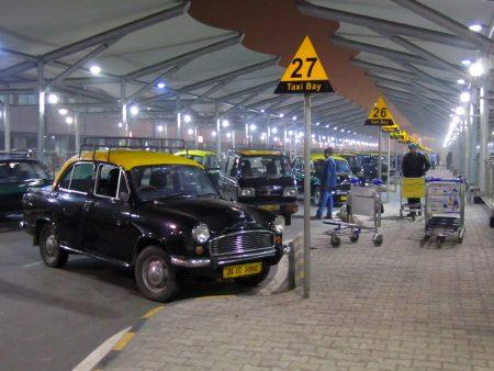 Такси из аэропорта Индиры Ганди