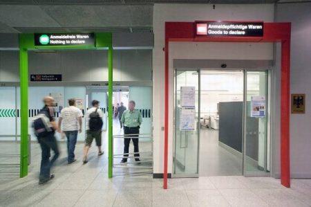 Красный и Зеленый коридор в аэропорте
