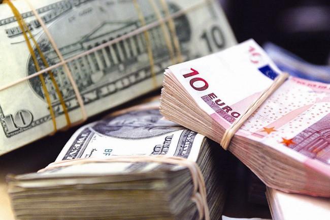 Сумма ввоза валюты на Украину